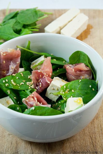 Breakfast at Tiffany's: Insalata con spinacini, prosciutto crudo e tofu
