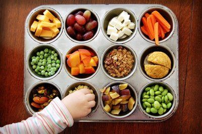 Muffin tin snack ideas for toddlersLow Calories Snacks, Health Food, Healthy Snacks, Toddlers Snacks, Muffins Tins, Schools Snacks, Snacks Ideas, 100 Calories Snacks, Under 100 Calories