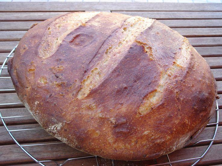 Nem vagyok mesterszakács: Ropogós héjú burgonyás házi kenyér, most szalonnasütéshez