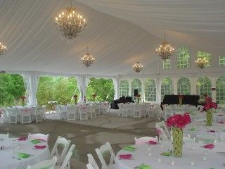 diner in witte tent