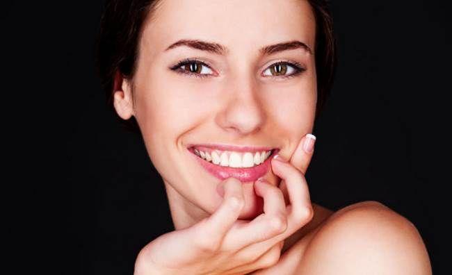 Красота, уход и здоровье зубов Красота, уход и здоровье зубов зависит от того, насколько правильно за ними вы будете ухаживать и от небольшого комплекса простых правил, при следовании которым вы получите прекрасную улыбку, о которой мечтает каждый.