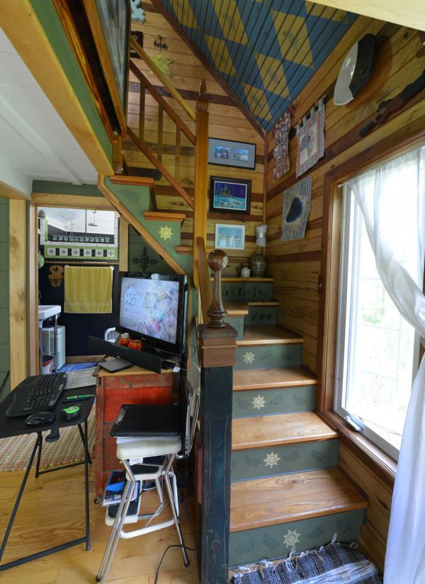 Couple Married For 29 Years Builds Their Dream Tiny House All By Hand Tiny House Swoon Storybook Cottage Tiny House