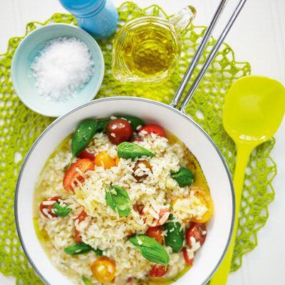 Risotto med tomater och färsk basilika