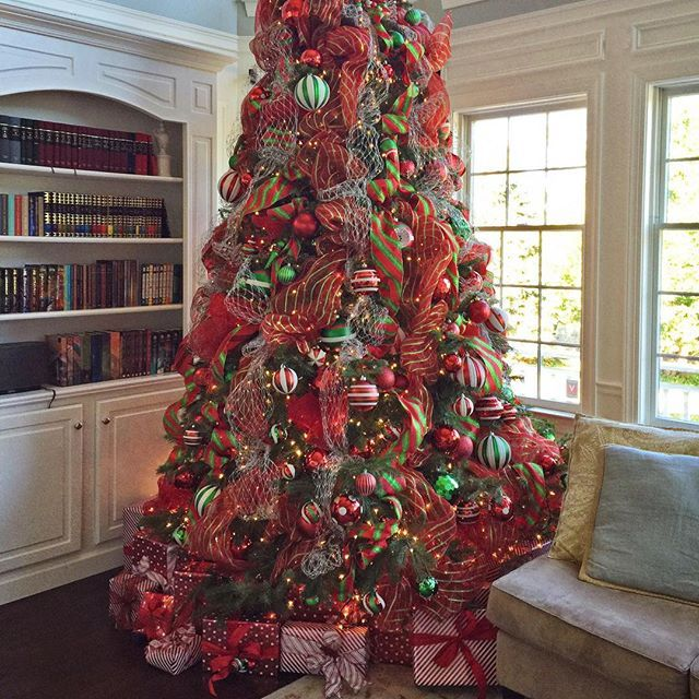 1000 ideas about 12 ft tree on trees mesh garland and mesh