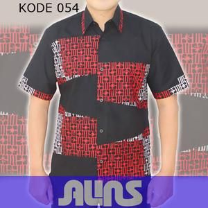 Model Kemeja Batik Kode 054 ini merupakan batik cap yang terbuat dari bahan katun. Dibuat dengan jahitan yang rapih dan nyaman saat dipakai.