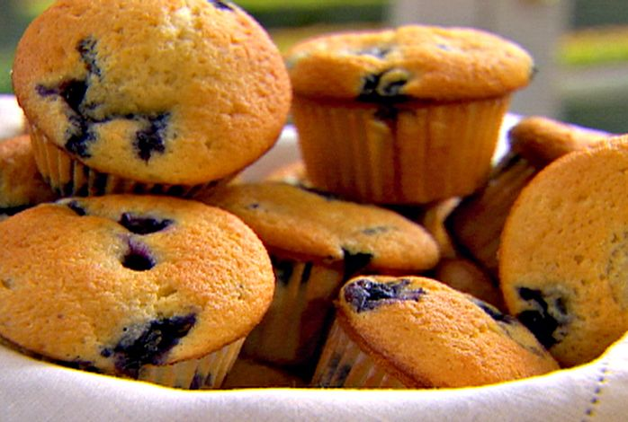Bakery Style Blueberry Coffee Cake Muffins Recipe from Ina Garten (Barefoot Contessa) - tender and delicious, even after substituting nonfat Greek yogurt for sour cream, and white whole wheat flour for all-purpose flour.  Kid approved!