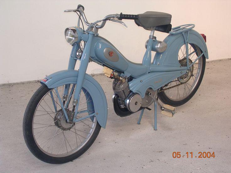 cyclomoteur mobylette av 76 pantin france europe vintage pinterest mobylette bleue. Black Bedroom Furniture Sets. Home Design Ideas