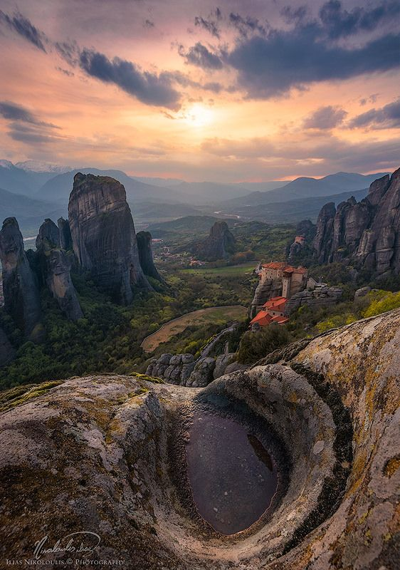 https://flic.kr/p/yDKpZJ | Edge pool | - On the edge of a cliff at Meteora, Greece. - You can find me also on 500px, 1x.com, facebook, twitter or e-mail me.