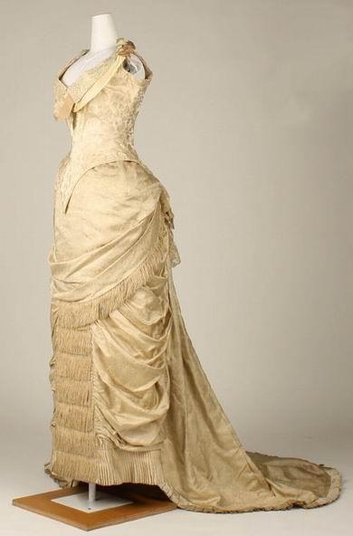 Платье турнюр 1880