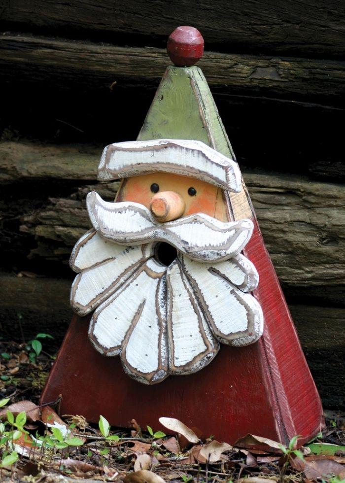 Holzdekoration-Weihnachtsmann-mit-Bart-aus-Holz-basteln-mit-farbe-bemalt