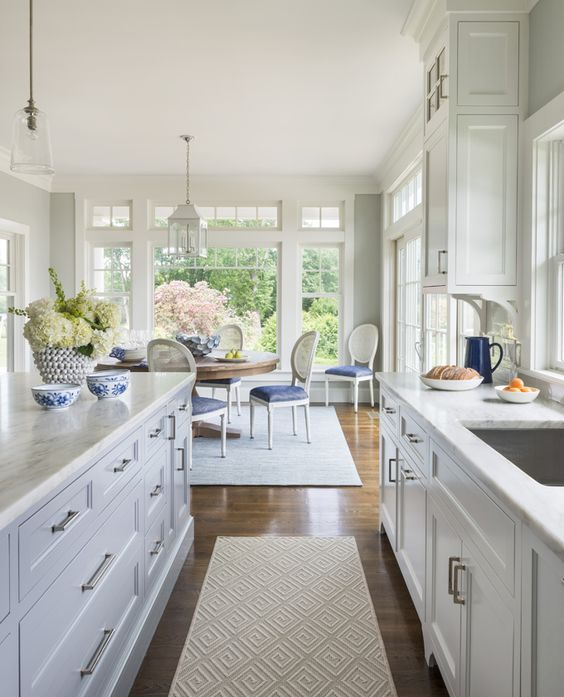 Hamptons style kitchen and dining area. Friday's Favourites, Gallerie B. Love these cabinets