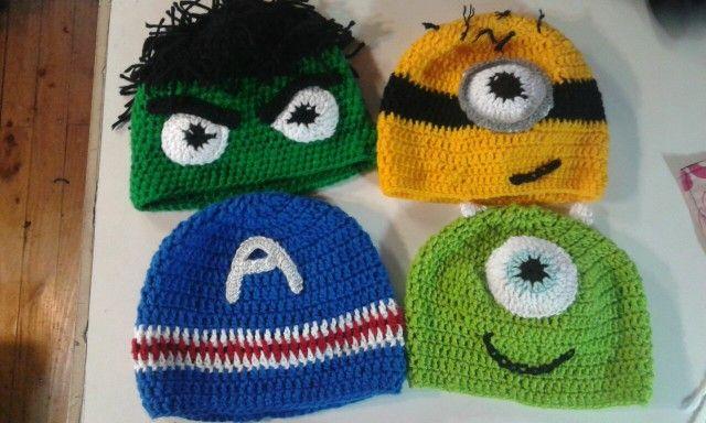 Gorros a crochet hulk, minnions, capitan america y moster ing