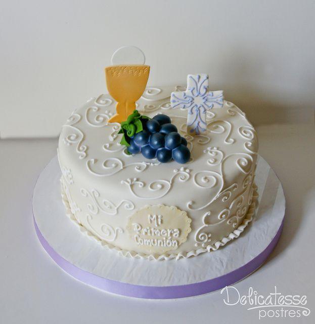 Un pastel tan sencillo, para una ocasión especial, hecho a base de fondant...