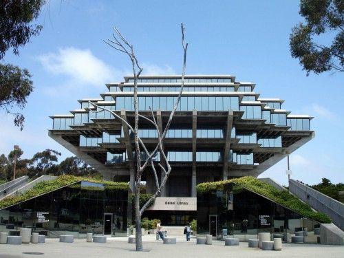 Βιβλιοθήκη Geisel, Πανεπιστήμιο της Καλιφόρνια, Σαν Ντιέγκο.