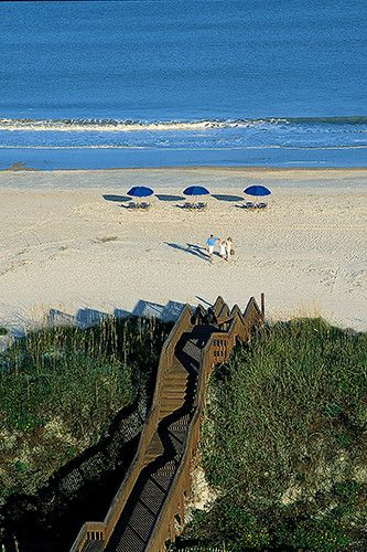 When it comes to a great place to escape to (or even just a tops destination spot in Florida), Amelia Island is often overlooked. It isn't trendsetting or hip like Miami or glamorous like Palm Beach, and in the dead of winter, the weather can be iffy because it's so far north.  But, with that