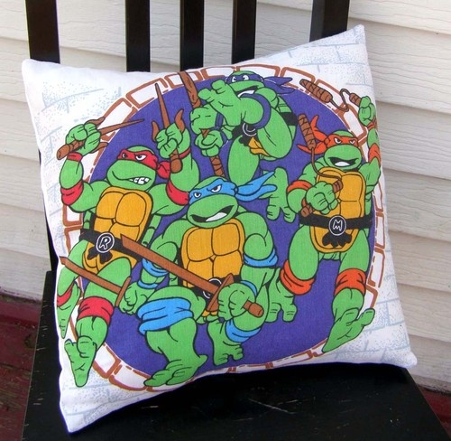 Ninja Turtle Decorative Pillow : 1000+ ideas about Ninja Turtle Room on Pinterest Teenage mutant ninja turtles, Ninja turtle ...