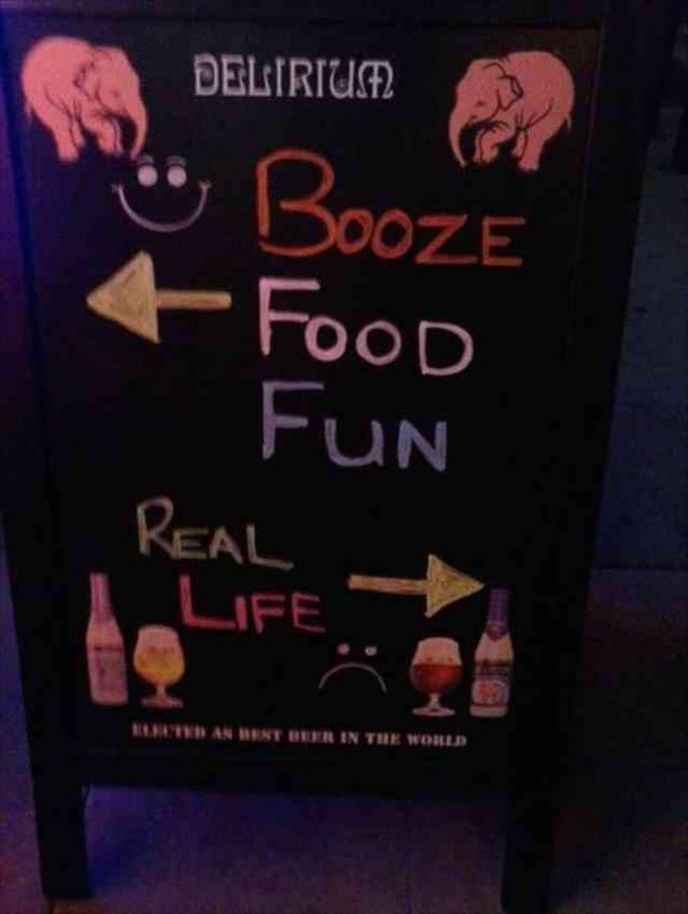 20 Hilarious Restaurant Signs