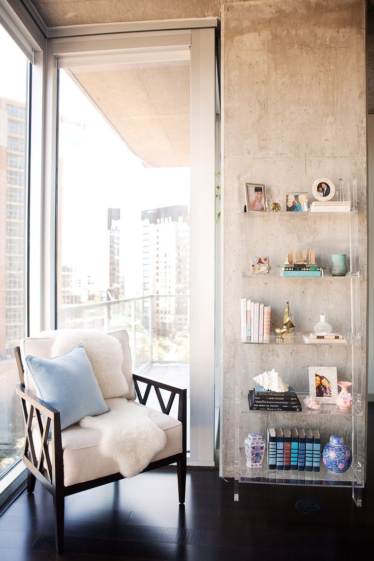 A Sophisticated Bachelorette Pad in the Heart of Dallas | Rue  acrylic shelves