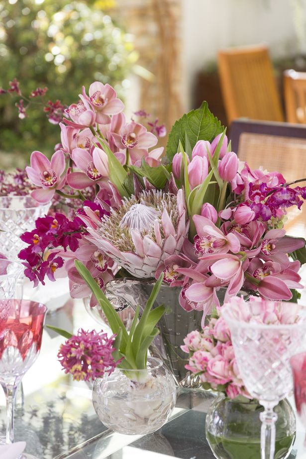 Flores E Amor Uma Mesa Para Nossas Maes Com Imagens Arranjos