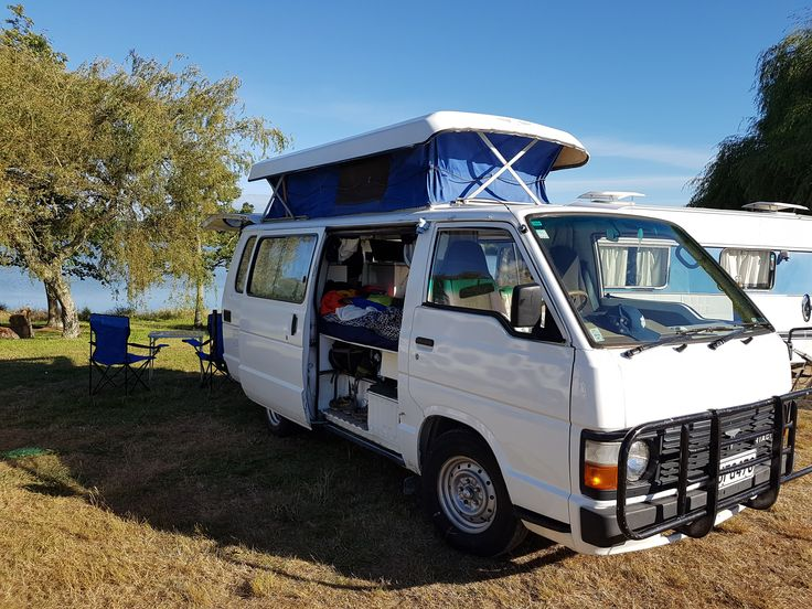 Toyota HIACE pop-top SELF CONTAINED 175Km - Frogs-in-NZ