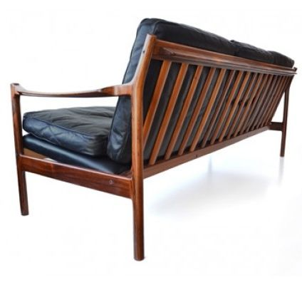 Gunnar Myrstrand; Rosewood and Leather Sofa for Källemo, 1960s.