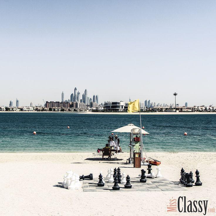 Das Meer fehlt mir schon wieder und bis zum Sommerurlaub ist es auch noch ein wenig hin. Um die Zeit zu überbrücken gibt's noch ein Bild aus Dubai mit Blick von The Palm auf die Wolkenkratzer in der Stadt.  _______________________________  Besucht mich auf meinem Blog:  http://www.miss-classy.com/   _______________________________  #missclassy #classy #beclassy #lifestyleblog #lifestyleblogger #austria #steiermark #graz #igersgraz #igersaustria #lbloggerat #bloggerat #austrianblogger…