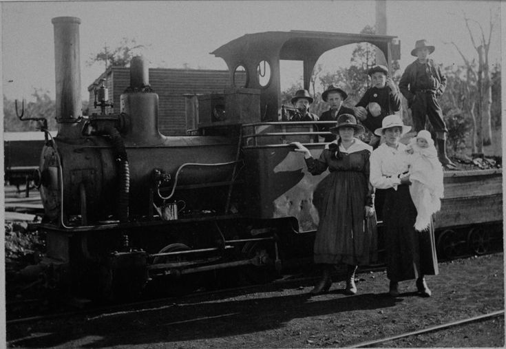 025984PD: Co-operative coal mine locomotive,  Collie, 1920 http://encore.slwa.wa.gov.au/iii/encore/record/C__Rb3507795?lang=eng