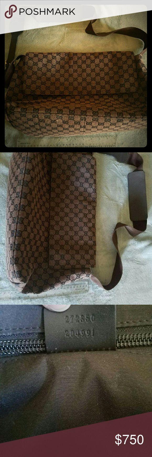 GUCCI MESSENGER BAG EUC Messenger bag Gucci Bags Crossbody Bags
