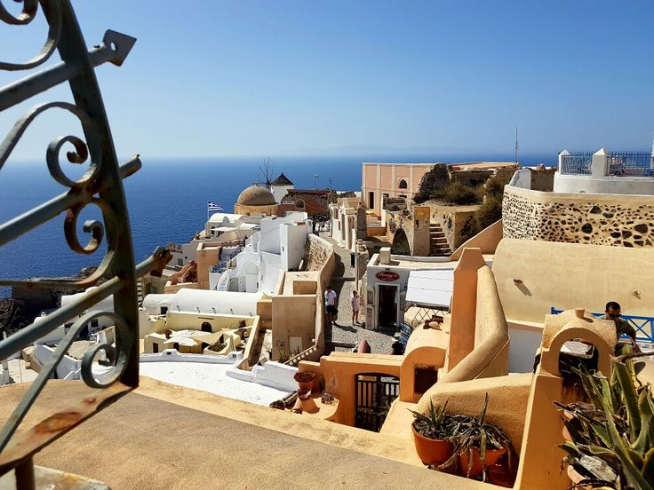 Oia village, Santorini Greece  #santorini #oia #santorinigreece