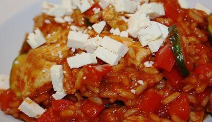 Grieks kip pannetje met tomatenrijst