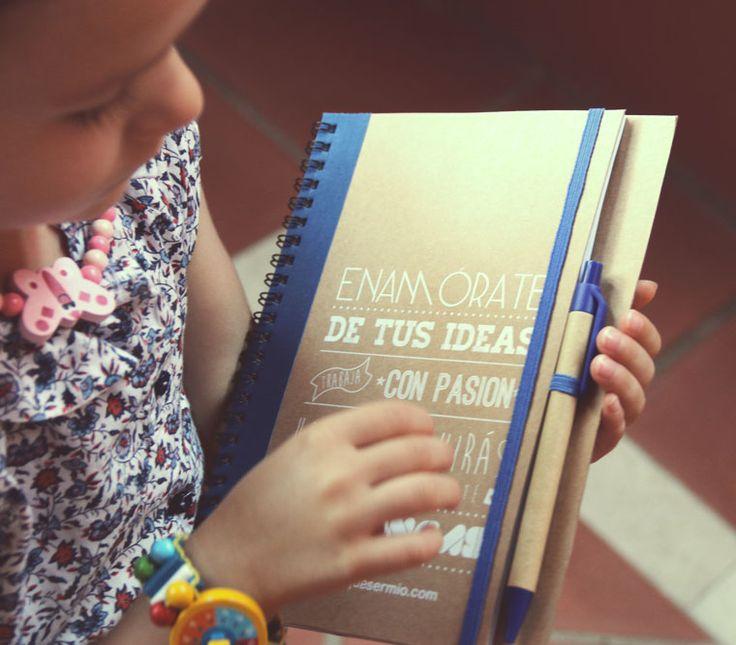 """Cuaderno ecológico con gomas publicitario con Slogan """" Enamórate de tus ideas"""""""