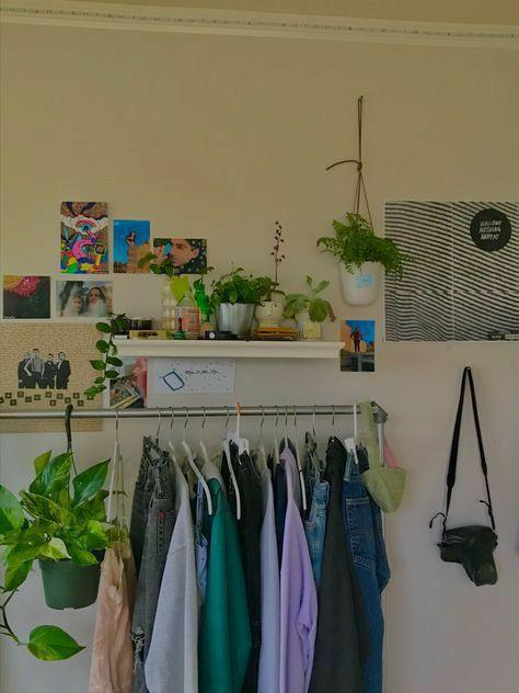 Indie Room Decor, Cute Room Decor, Aesthetic Room Decor, Study Room Decor, Aesthetic Indie, Room Ideas Bedroom, Bedroom Decor, Bedroom Inspo, Chambre Indie