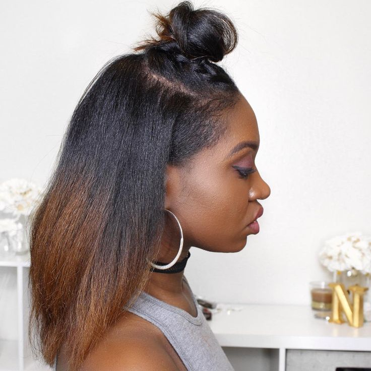 Natural hair straight top knot by Instagrammer/YouTuber Janae Mason @ https://www.instagram.com/nae2curly/
