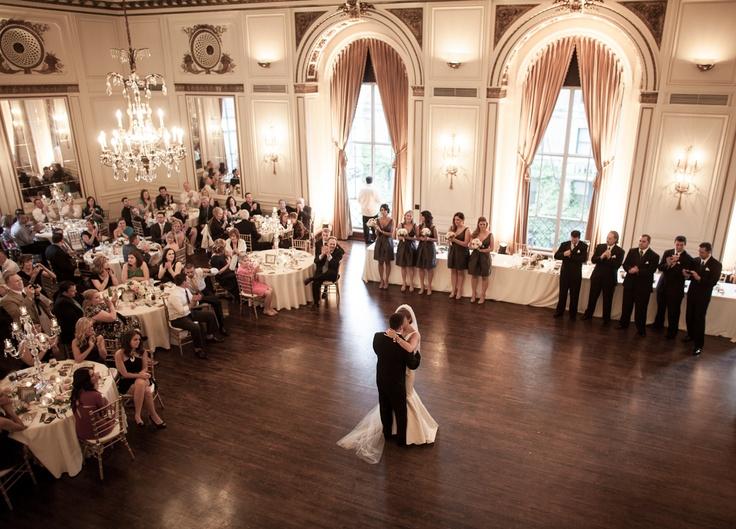 Wedding Photography Detroit Sara And Ryan At The Colony Club