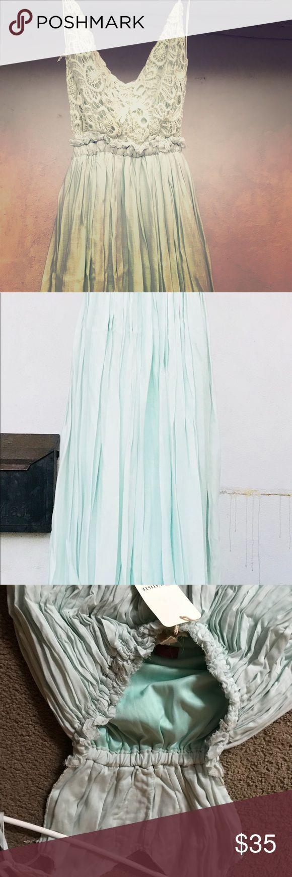 L'atiste mint maxi dress.  Size small Beautiful dress Dresses Maxi