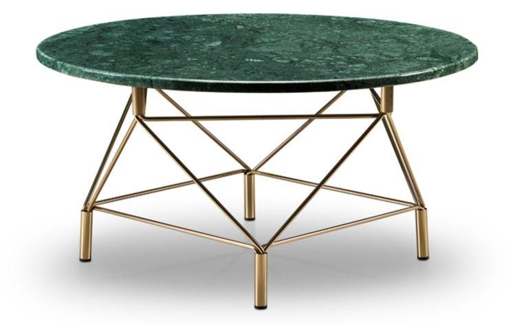 Spiider Soffbord från danska Eilersen är ett modernt och stilrent soffbord. Spider Soffbord finns i flera utföranden tillsammans med marmorskiva eller glasskiva och stålunderrede