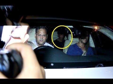 Shahrukh Khan spotted at Hrithik Roshan's residence.
