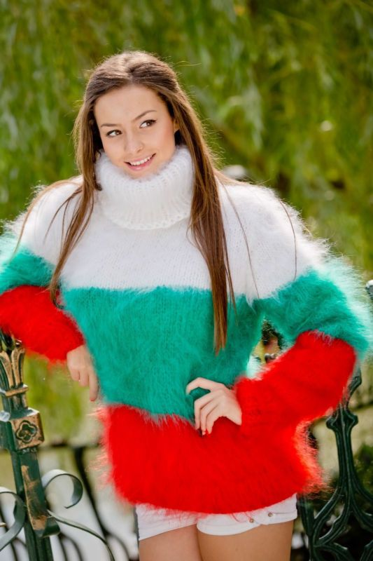 Tiffy Mohair Hand Knitted T- neck Bulgarian flag  Sweater Fuzzy Fluffy S M L XL