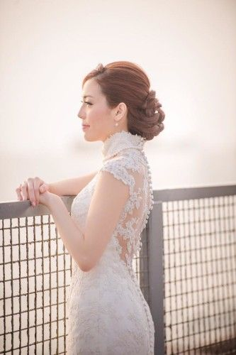 Beautiful cutting and craftsmenship?  Guess how much to tailor made a bridal dress?  Unbelievable reasonable.... www.elegant-wedding-ideas.com