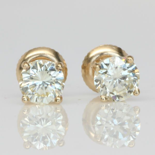 1.43 CTW Round Diamond Earring Studs.  Diamond Exchange Dallas has a large selection of wholesale diamond earrings available.  Find out more about this by visiting at http://diamondexchangedallas.com