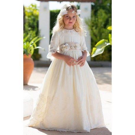 Espectacular! Vestido para primera comunión de la marca Magnífica lulú en Outlet de Ceremonia. Disfruta en nuestra tienda online de las mejores ofertas  www.pepaonline.com