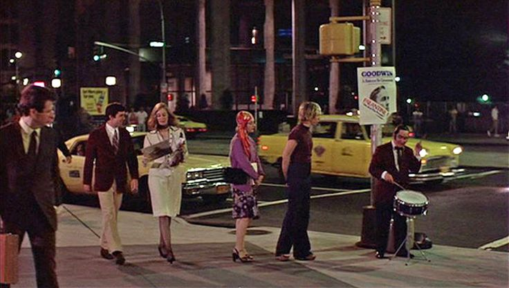 Street Performer Gene Palma's 15 Minutes Of Fame (Which Has Now Lasted For 40 Years) In Martin Scorses's Taxi Driver. (Michael Chapman - Taxi Driver, 1976.)