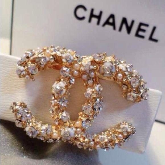 CHANEL brooch. gold, rhinestone and pearl encrusted. $33.00
