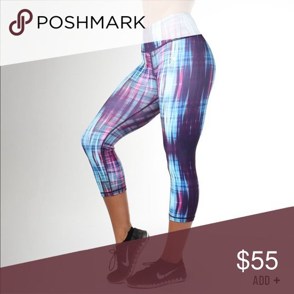 🆕Gymshark women's Capri leggings New with tags women's Gymshark crop leggings. Only selling because they are too small for me 😩 gymshark Pants Leggings