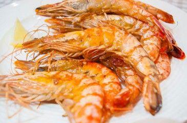 Жареные креветки - рецепты с фото. Как вкусно пожарить креветки на сковороде с чесноком или соевым соусом