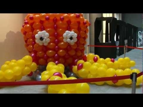Giant Balloon Octopus (Paul the Octopus blown-up?)  @ Orchard Central Shopping Mall (HD)