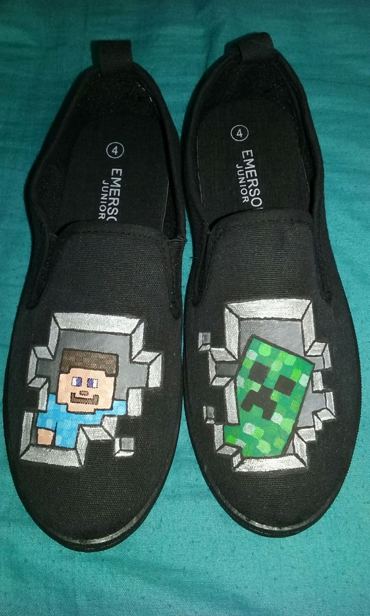Minecraft Shoes, part 2.  I didn't use a stencil this time, so I'm starting to become more confident about my drawing skills (haha, its all squares, so no trouble hahaaha).  I'm actually surprised about the results though.  It looks pretty good I think.  He loved them :)