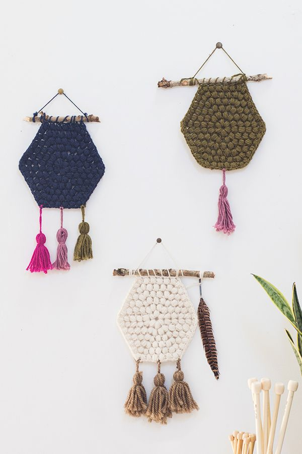Puff-stitch Hexagon Wallhanging - Free crochet pattern @ Mollie Makes