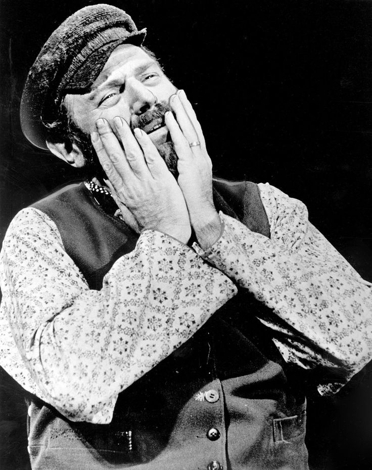 R.I.P #TheodoreBikel - Mr. Bikel sang in 21 languages, from medieval Spanish to Zulu, in addition to his activism, roles in theater, television and films.