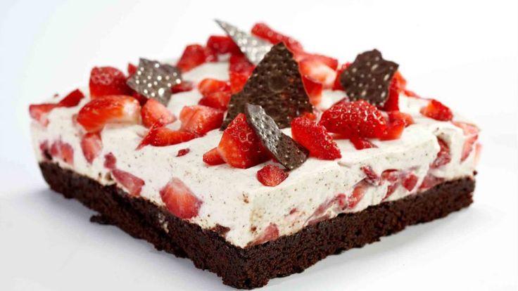 Grundlovskage er en lækker dansk opskrift af Konditorlauget, se flere dessert og kage på mad.tv2.dk